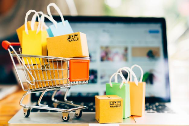 Sådan er forholdet mellem webshops og fysiske butikker