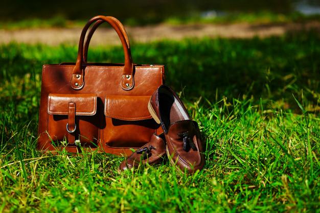 læder sko og taske